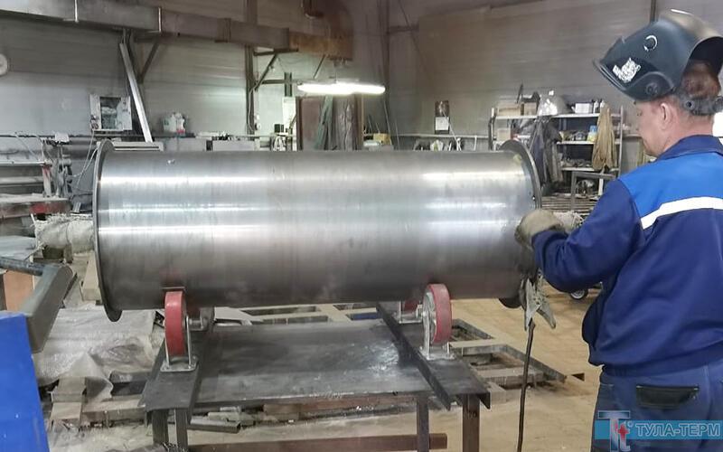 Сборка натяжного барабана конвеерной печи на заводе-изготовителе